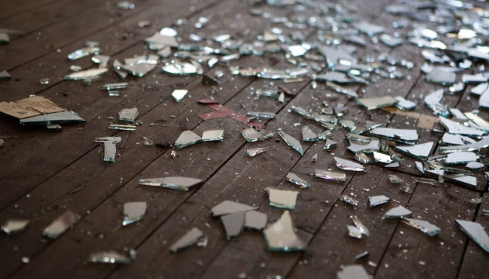 Broken Glass: Step-by-Step Guide to Keeping You Safe